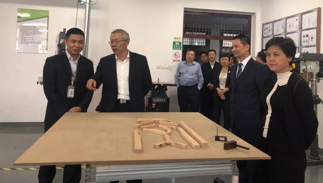 人社部副部长汤涛到建设技师学院调研